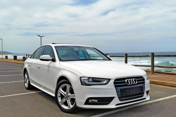 2015-audi-a4-right-front